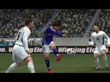 Immagine 2 del gioco Pro Evolution Soccer 6 per Playstation 2