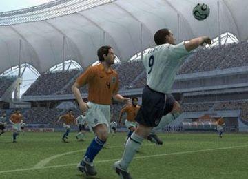 Immagine 3 del gioco Pro Evolution Soccer 6 per Playstation 2
