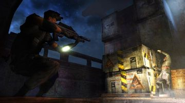 Immagine 3 del gioco Tom Clancy's Splinter Cell Essentials per Playstation PSP